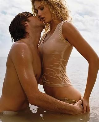 1385813438_couple_kiss_passion_sea_see_through_sexy_wet_5.jpg_480_480_0_64000_0_1_0