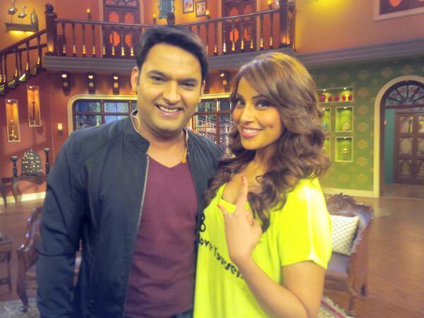 bipasha basu in comedy night shayari