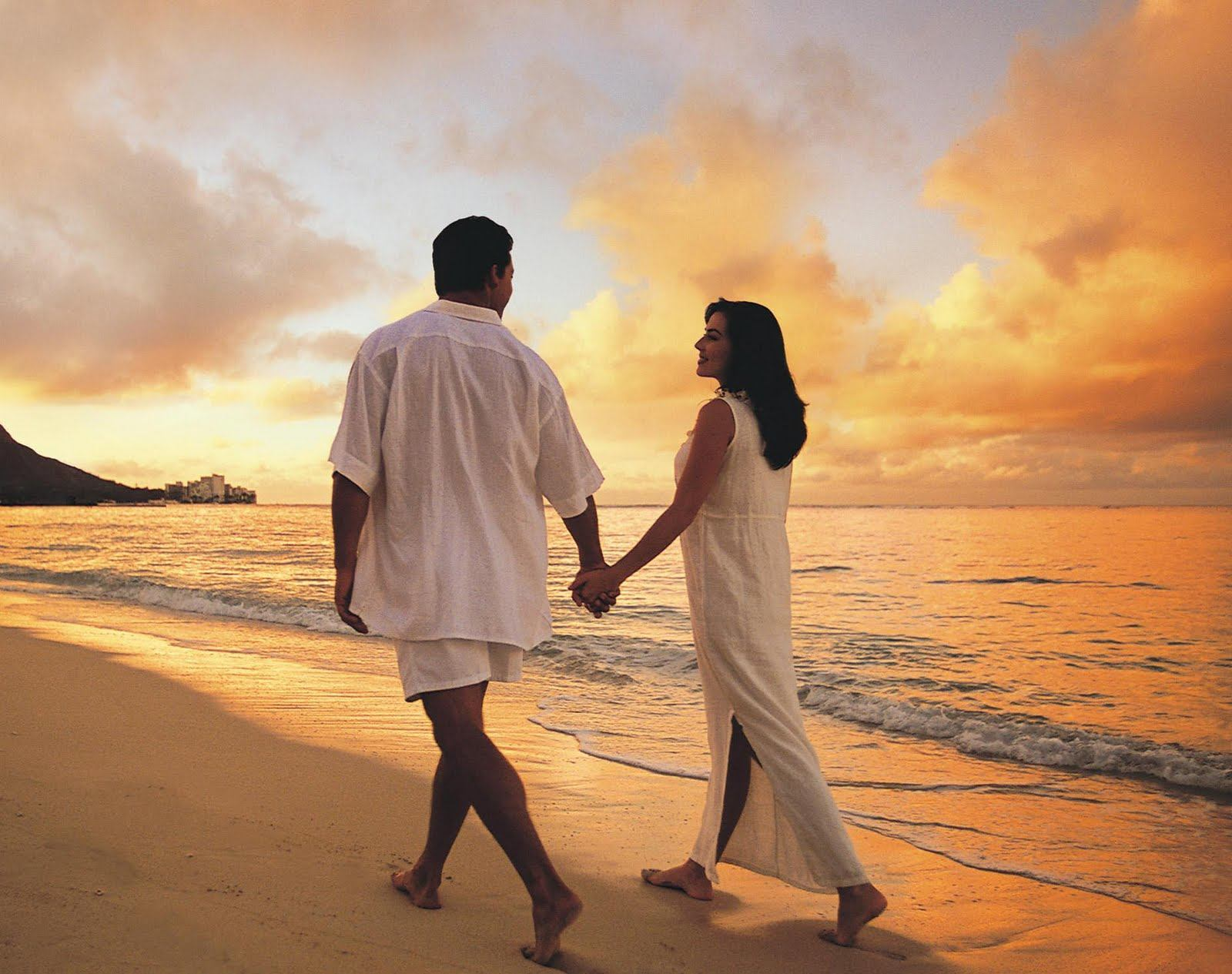 love-beach-couple-hd-wallpapers-fullscreen-top-images